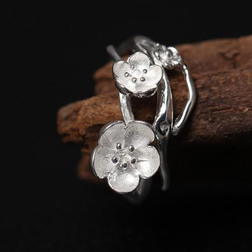High Quality Romantic Flower Shaped Adjustable Silver Ring - AwesomeGraphix.com - T-Shirts, Caps, Mugs, Baby Onesies, Wall Art and more!